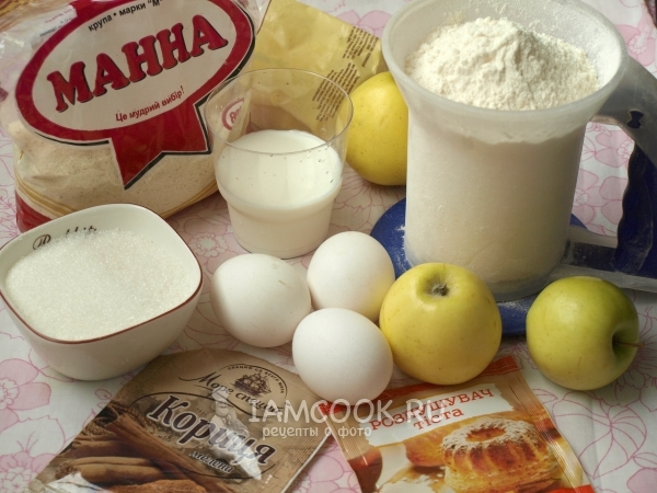 Ingredients for manna on milk with apples