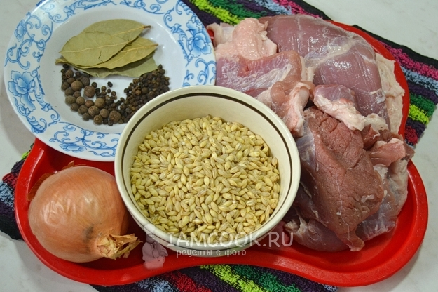 Ingredients for pork stew with pearl barley