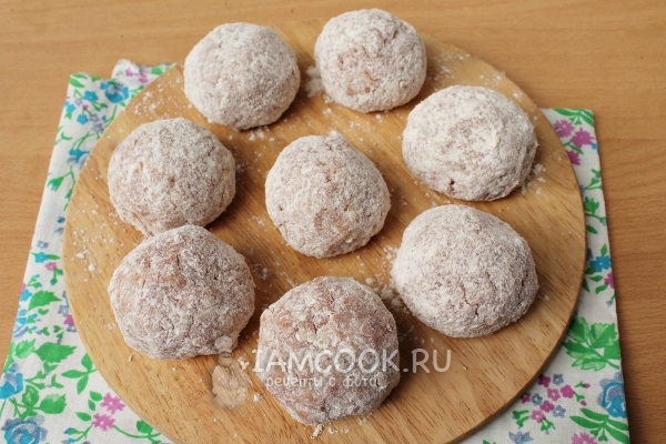 Roll meatballs in flour